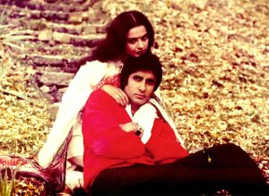 Rekha, who has been away from Amitabh's life as soon as he heard of Jaya, does not match his eyes till date. Funny Jokes